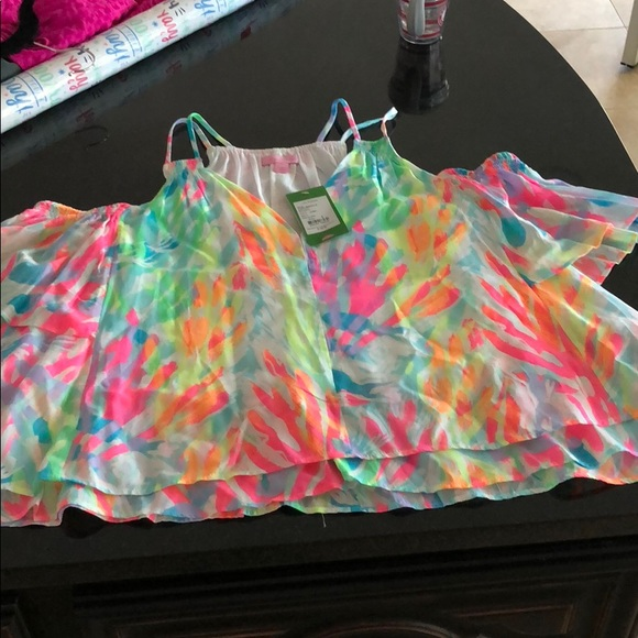 Lilly Pulitzer Tops - NWT Lilly pulitzer bellamie top in sparkling sands